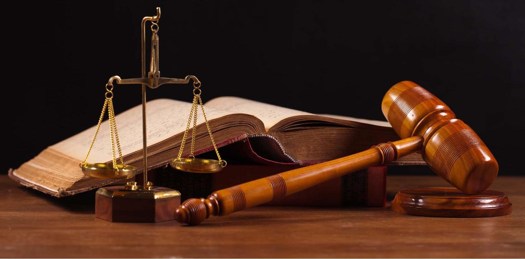 وکیل پایه یک دادگستری خانم زهرا اشرفی قهی